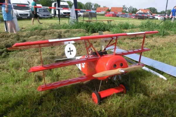 2015-06-14-mcm-jubilaeumsfliegen-03032FF3E61-468E-EBC3-8311-D0330BCFF771.jpg
